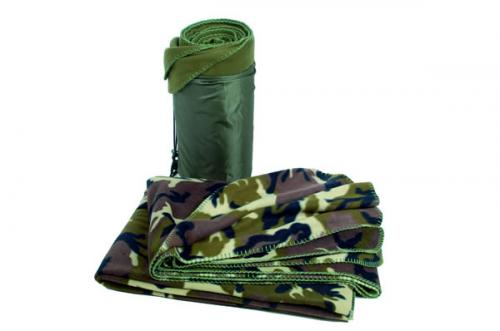Deka fleece camo woodland 150 X 200cm